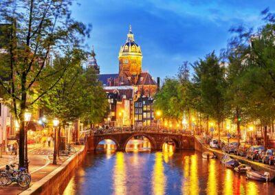 netherlands-amsterdam_345403775.tmb-1100x800